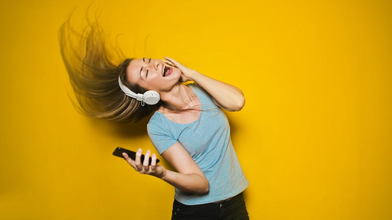 aumentar o volume do celular